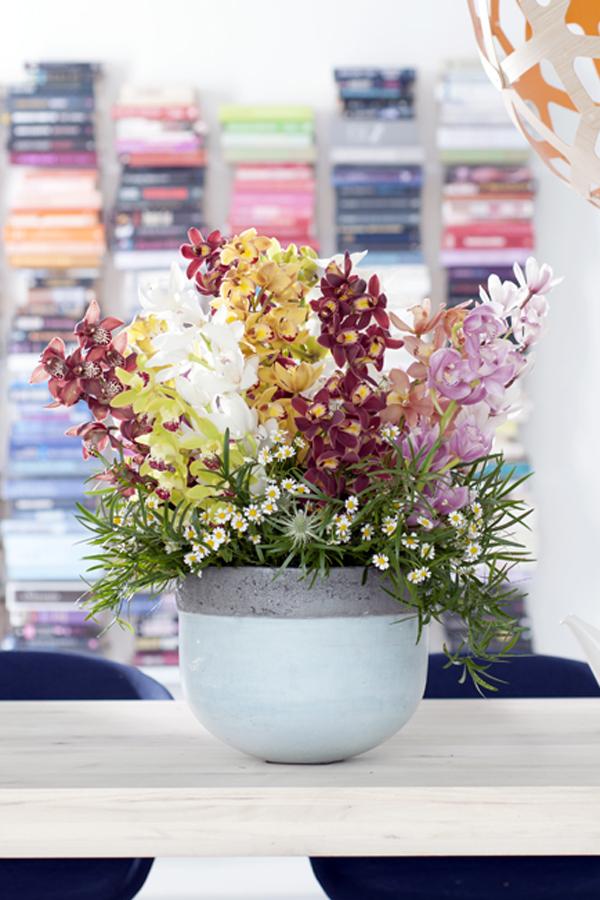 Oosterse sferen met de cymbidium mooi wat bloemen doen - Tweekleurige keuken ...